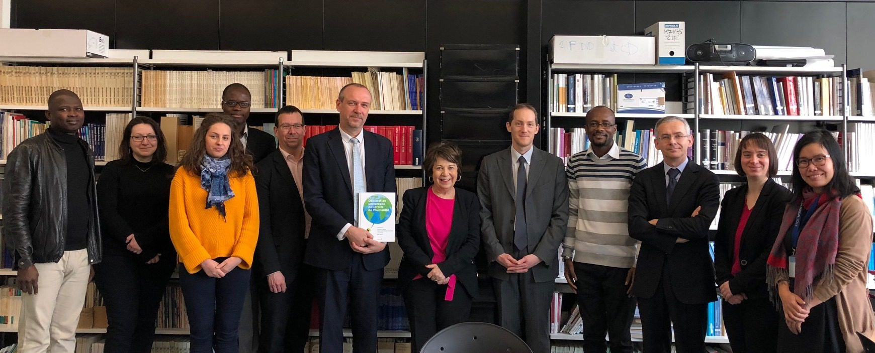 Photo signature Déclaration Universelle Droits de l'Humanité